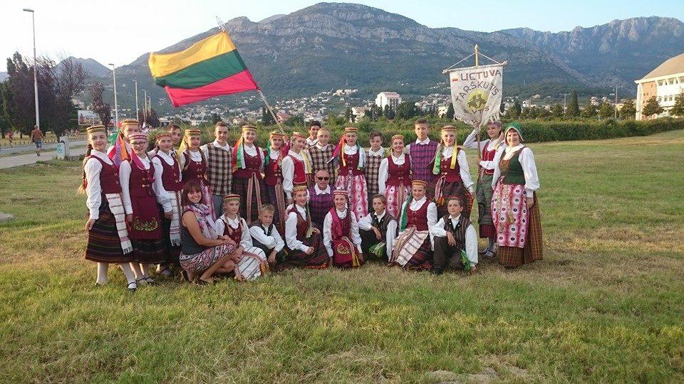 """Dainų ir šokių ansamblio """"Tarškutis"""" kelionės 2016"""