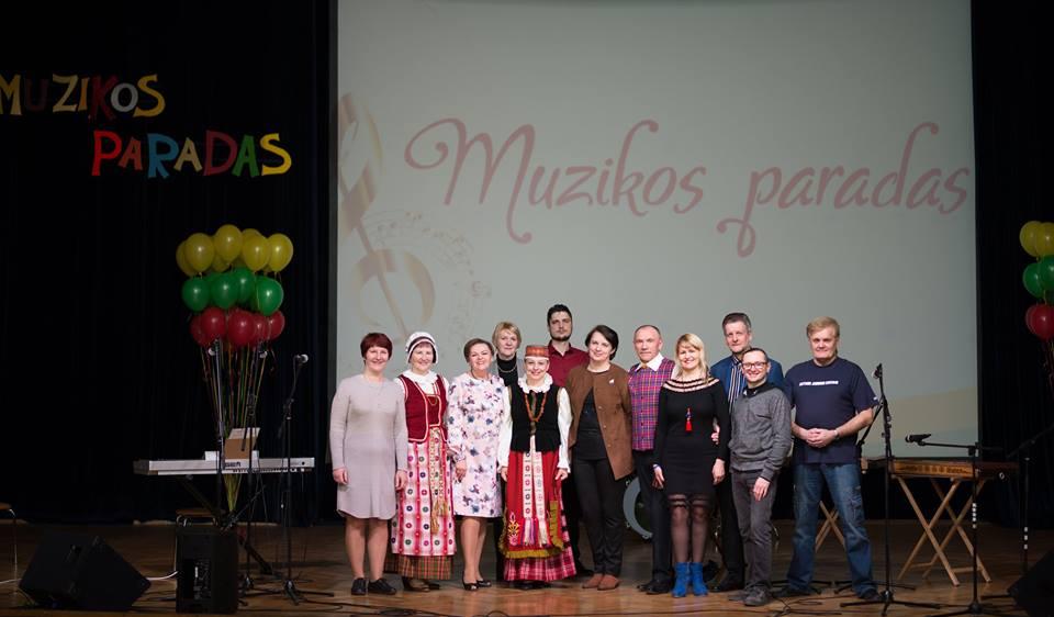 """Alytaus jaunimo centre skambėjo Lietuvos valstybės atkūrimo šimtmečiui dedikuotas """"Muzikos paradas"""""""