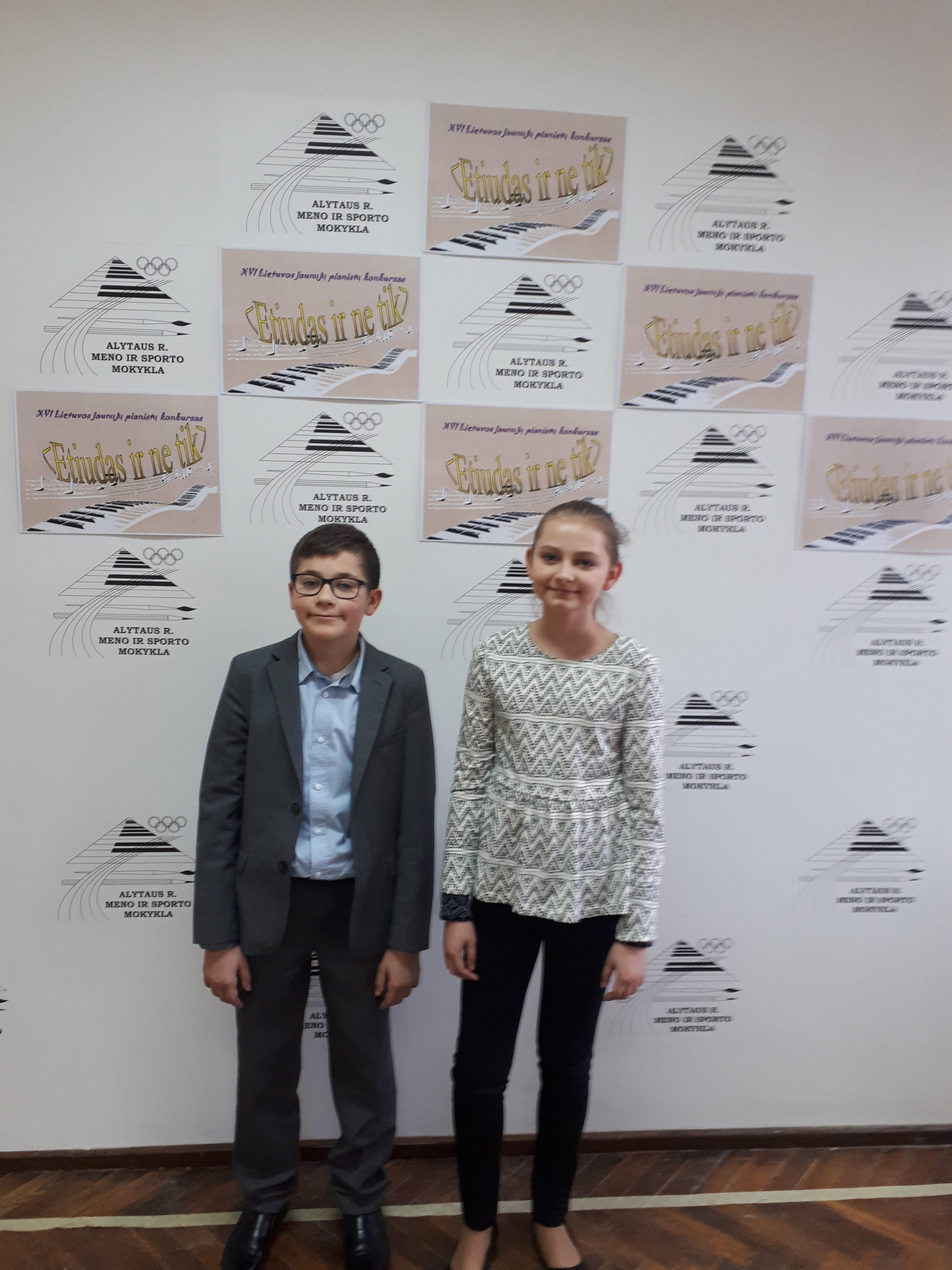 """fortepijono klasės mokiniai dalyvavo XV respublikiniame jaunųjų pianistų konkurse """"Etiudas ir ne tik"""""""