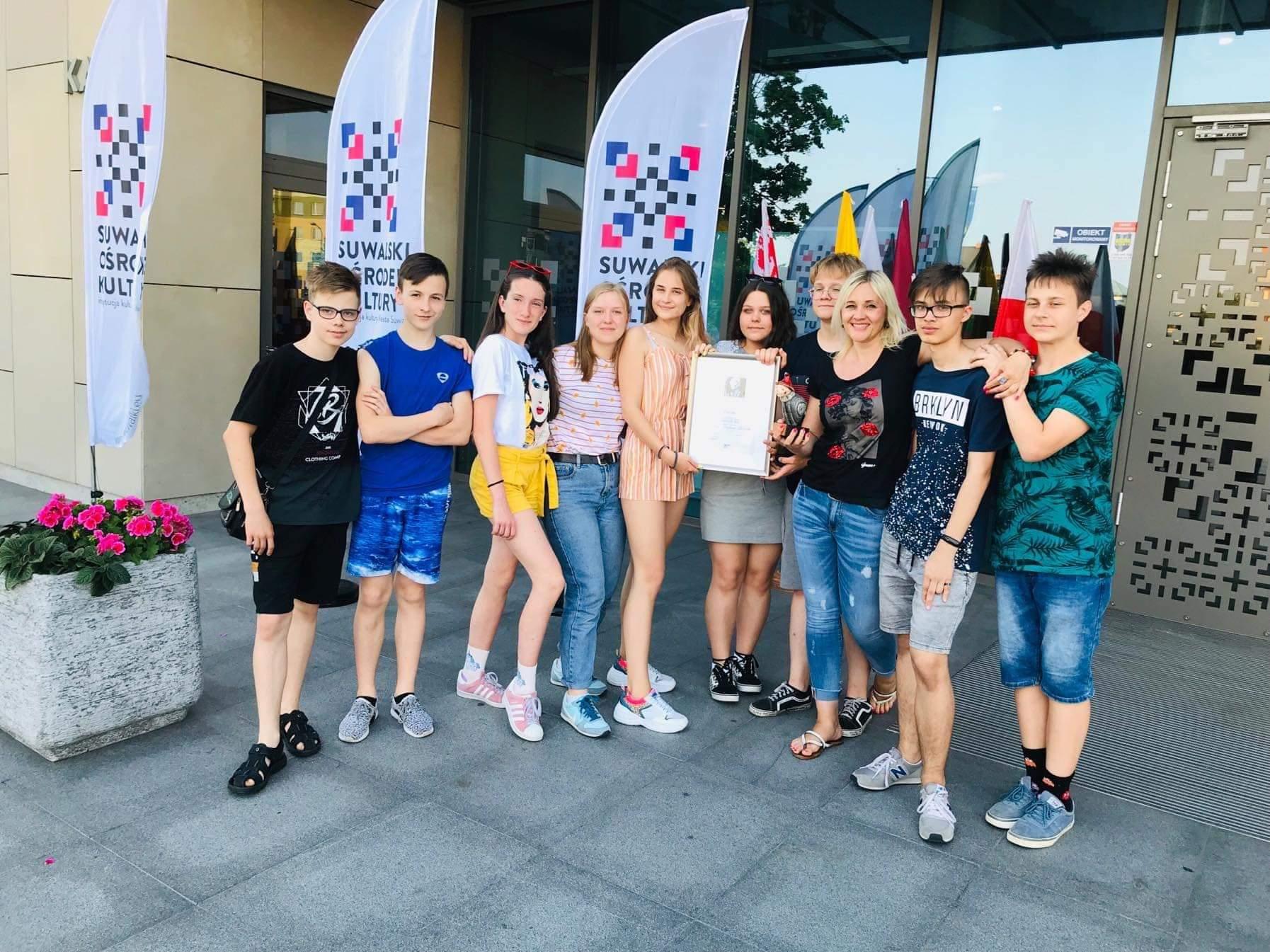 """Dramos studija """"Skrajokliai"""" sužibėjo Lenkijoje"""