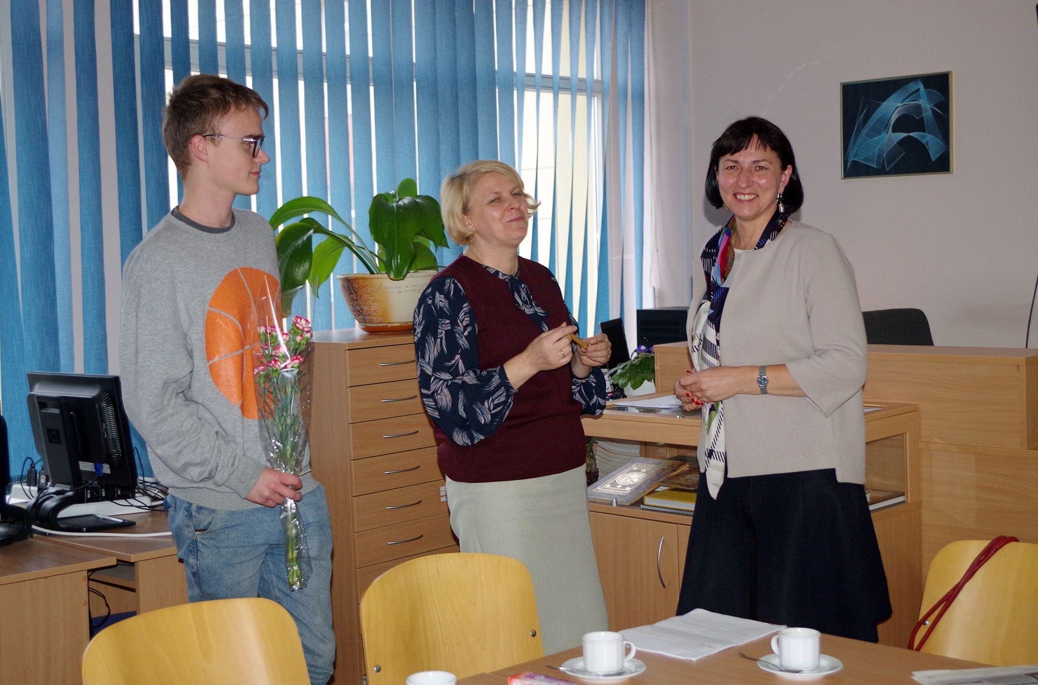 Jaunųjų žurnalistų kursai: Susitikimas Putinų gimnazijoje