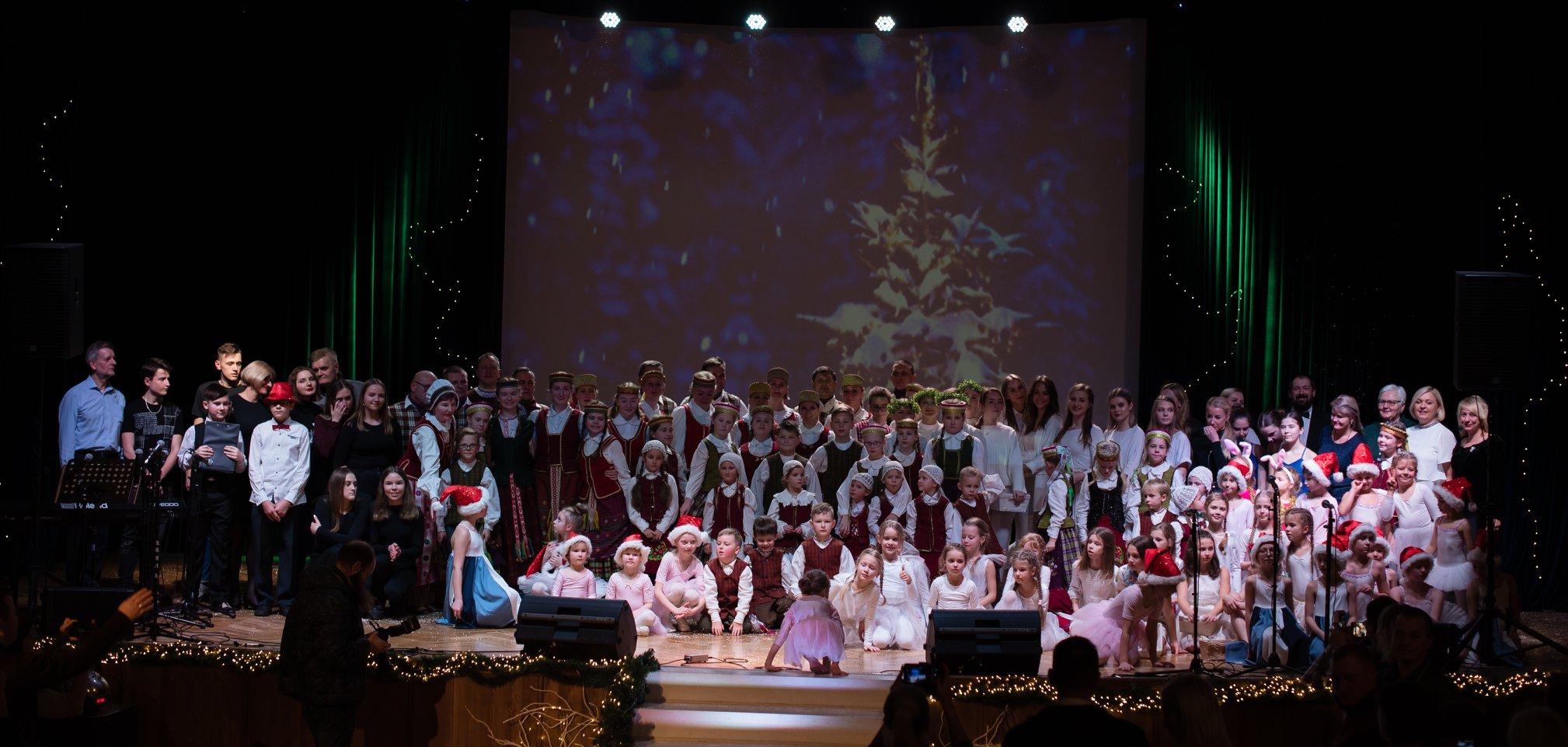 Alytaus jaunimo centre skambėjo Kalėdos