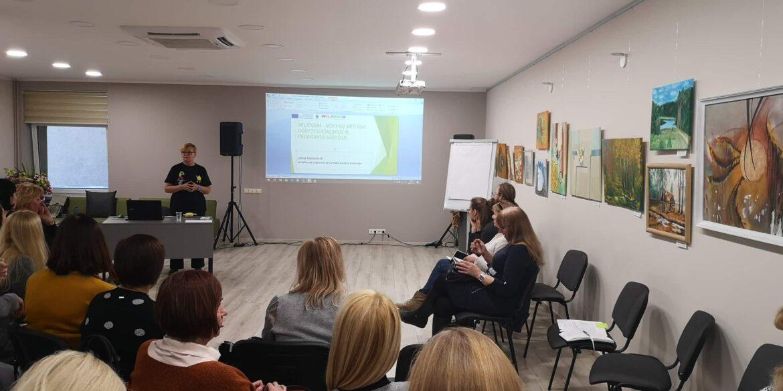 """Alytaus jaunimo centre vyko seminaras """"Finansinis raštingumas"""" ir  """"Aflatoun"""" programos pristatymas"""