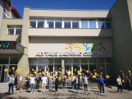 Alytaus jaunimo centro bendruomenė sveikina su Tarptautine vaikų gynimo diena!