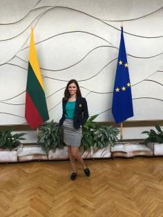 Vyriausybės kanceliarijoje darbavosi ir Jaunųjų žurnalistų kursų mokinė Rūta Giniūnaitė